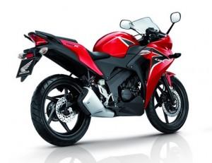 Motor bebek terbaik 4 : Honda CBR 150 Fi